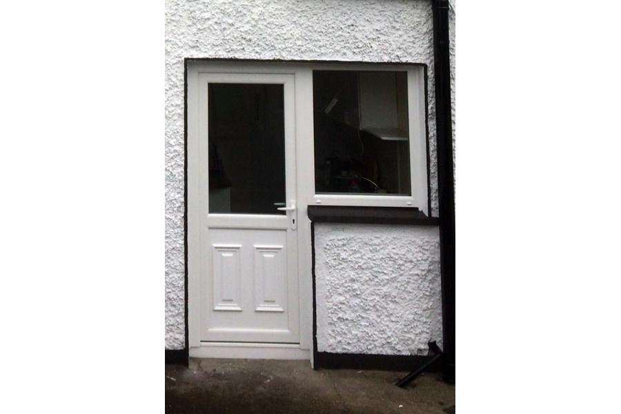 PVC ENTRANCE DOORS